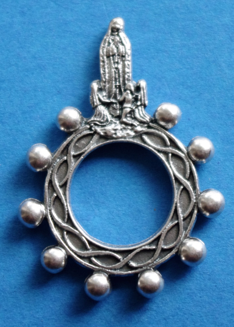 Our Lady of Fatima Silhouette Rosary Ring
